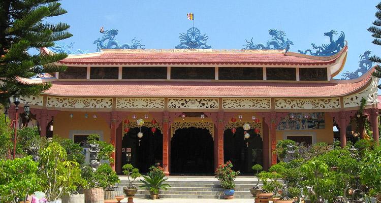 Kinh nghiệm du lịch Đà Lạt thiền viện vạn hạnh