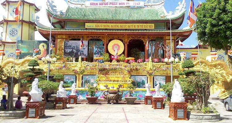 Kinh nghiệm du lịch Đà Lạt chùa linh quang