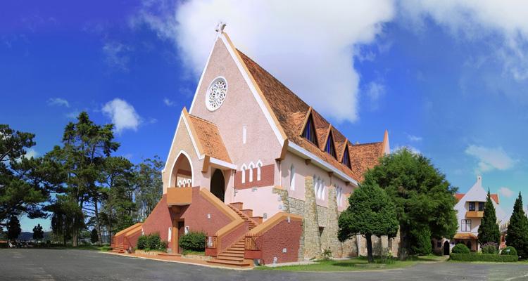 Kinh nghiệm du lịch Đà Lạt nhà thờ domaine de marie