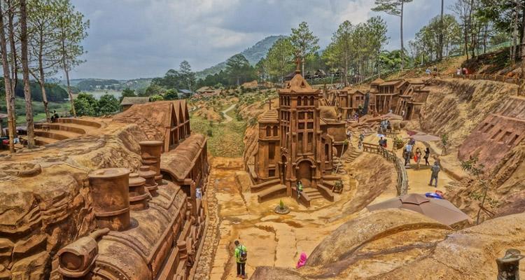 Kinh nghiệm du lịch Đà Lạt đường hầm đất sét