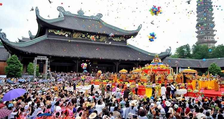 Kinh nghiệm du lịch Hà Nội lễ hội