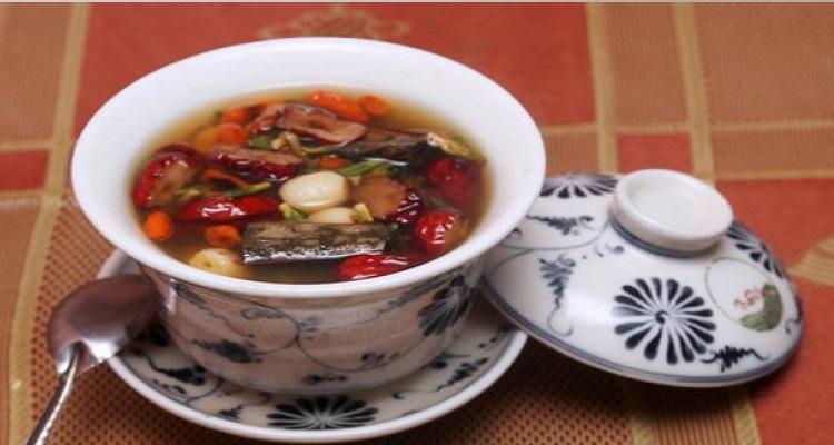 Kinh nghiệm du lịch Huế xin giới thiệu một số đặc sản nổi tiếng ở Huế để các bạn mua về làm quà cho gia đình và bạn bè -Trà cung đình