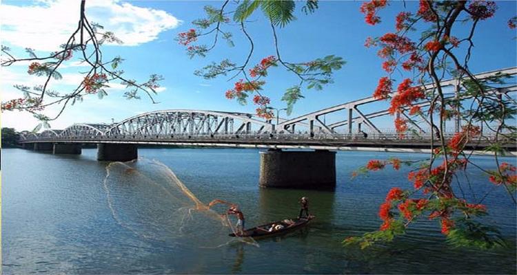 Sông hương, cầu Tràng Tiền