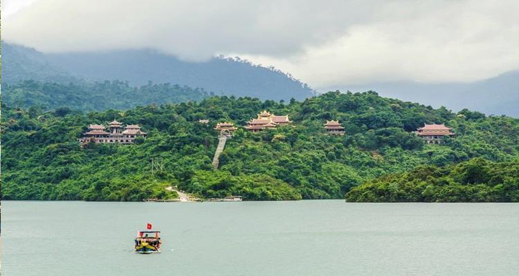 Thiền viện Trúc lâm Bạch Mã - Kinh nghiệm du lịch Huế chi tiết nhất