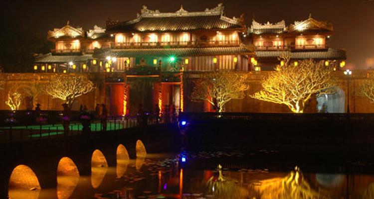 Kinh Thành Huế - tối