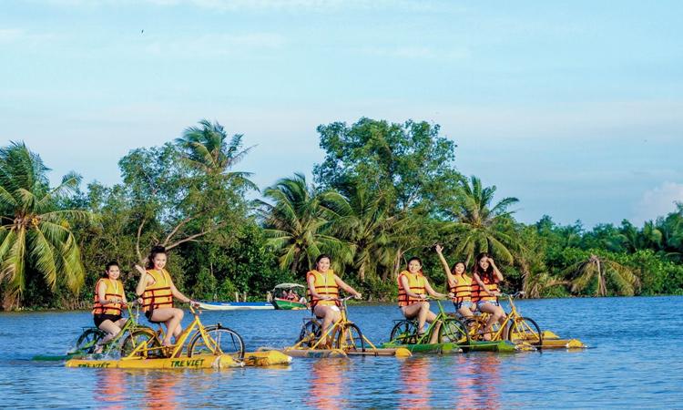 Làng du lịch Tre Việt - chơi gì