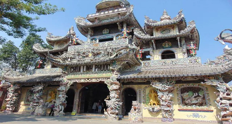 chùa linh phước - kiến trúc