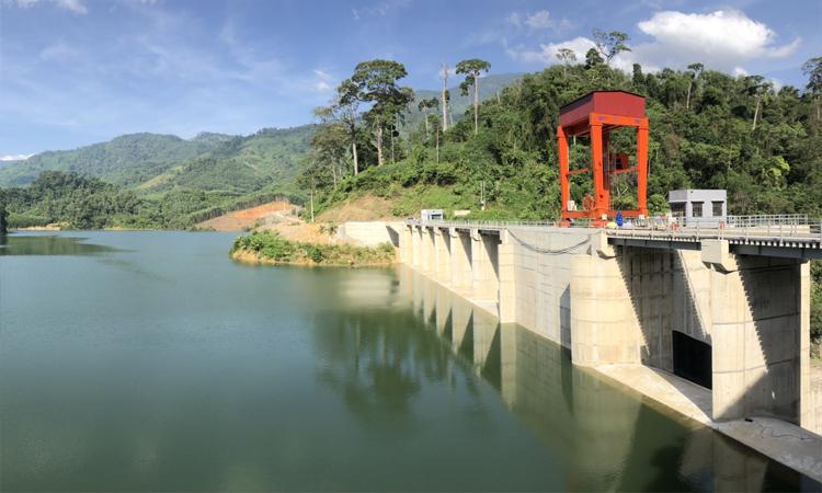 Nhà máy thủy điện Sơn La - rộng lớn
