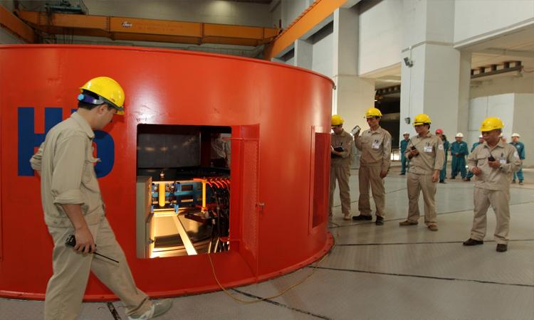 Nhà máy thủy điện Sơn La - tham quan