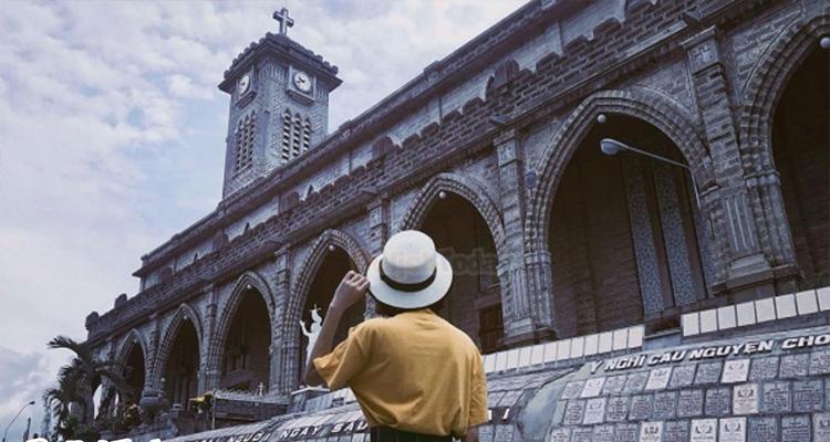 Nhà thờ đá Nha Trang - Địa điểm chụp hình siêu đẹp