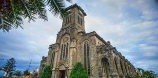 """Nhà thờ đá Nha Trang - Địa điểm """"check - in, sống ảo"""" đang thu hút giới trẻ"""