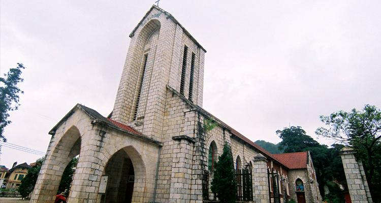 Nhà thờ đá Sapa 02