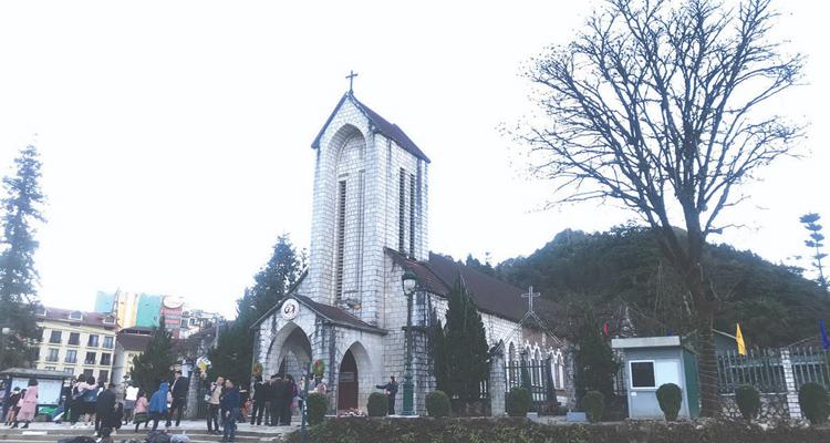Nhà thờ đá Sapa 06