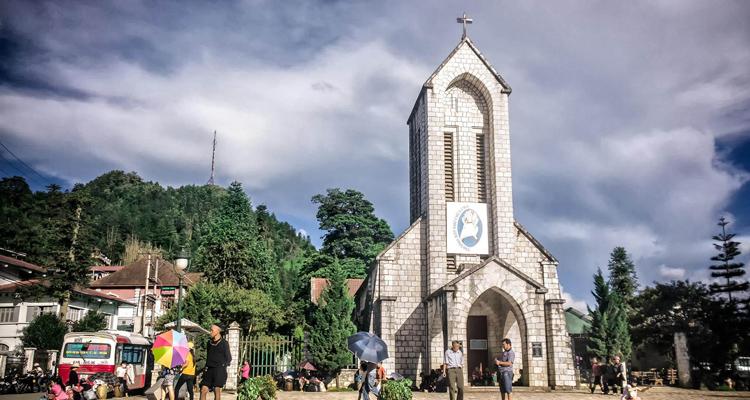 Nhà thờ đá Sapa 07
