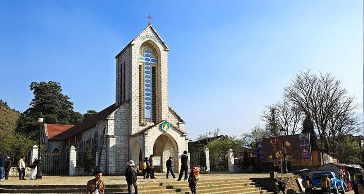 Nhà thờ đá Sapa 08