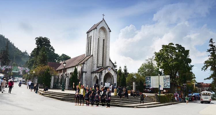 Nhà thờ đá Sapa 15