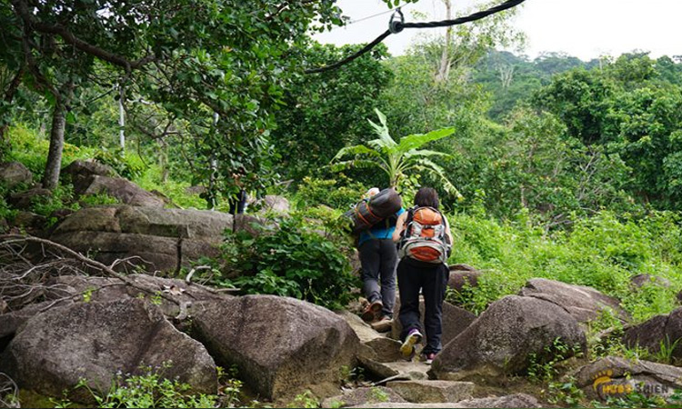 Núi Chứa Chan - đường leo