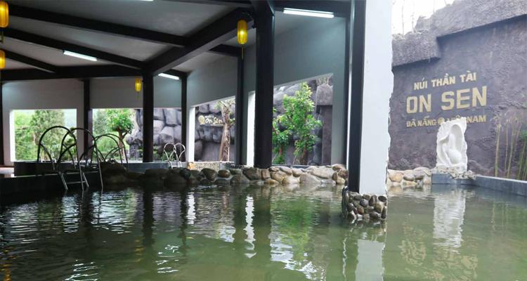 Núi Thần Tài - bồn tắm