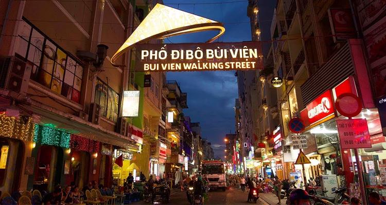 Sài Gòn về đêm - đi bộ