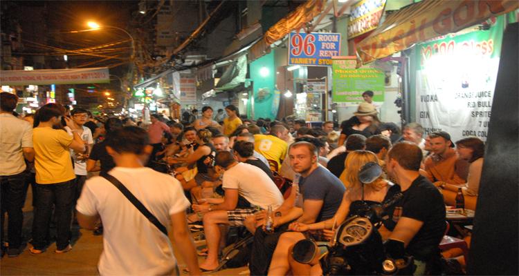 Sài Gòn về đêm - Bùi Viện