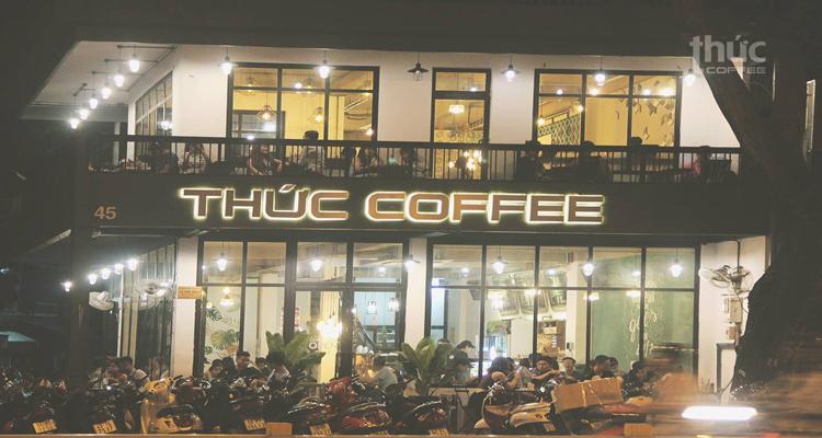 Sài Gòn về đêm - thức coffee