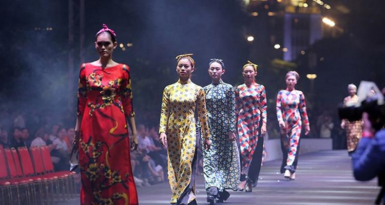 Sài Gòn về đêm - thời trang