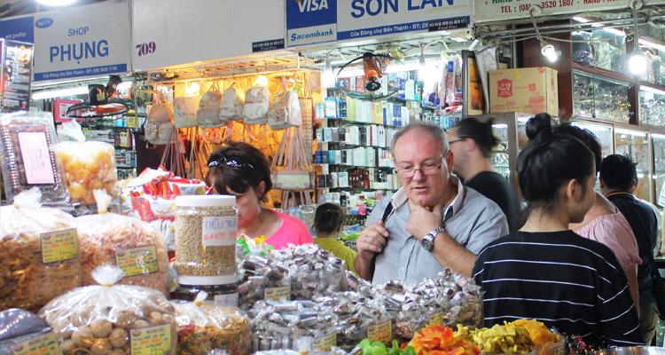 tham quan chợ Bến Thành1