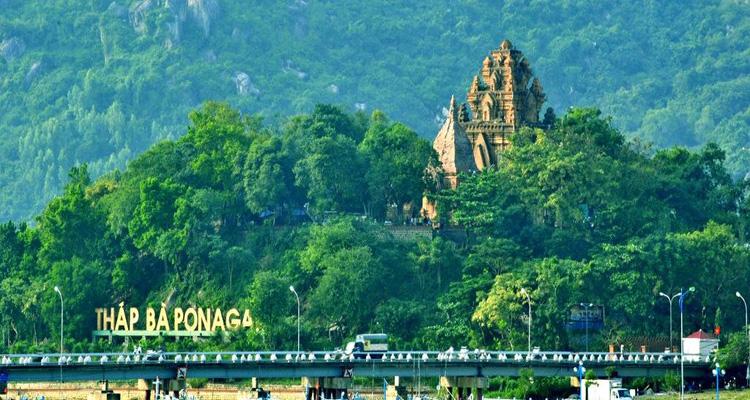 Tháp Bà Ponagar là một địa điểm tâm linh nổi tiếng ở Nha Trang, tỉnh Khánh Hòa.