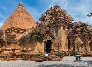 Tháp Bà Ponagar - Địa điểm du lịch không nên bỏ lỡ khi đến Nha Trang