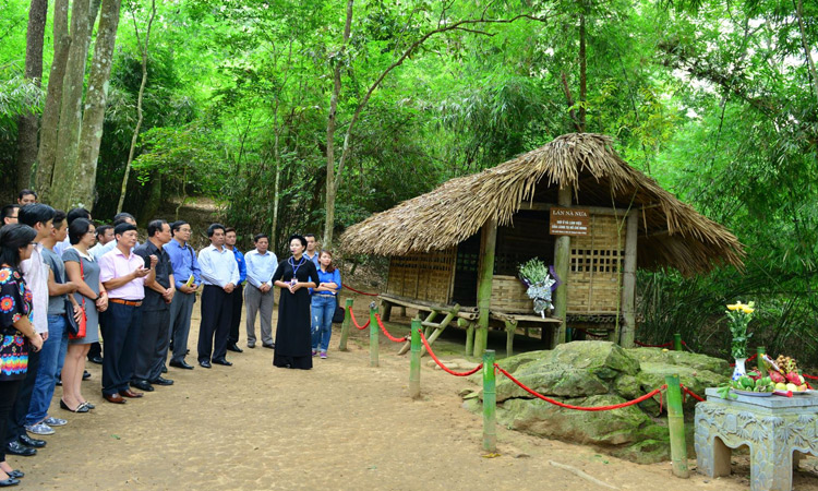 Kinh nghiệm du lịch Tuyên Quang từ a - z - lán nà lừa