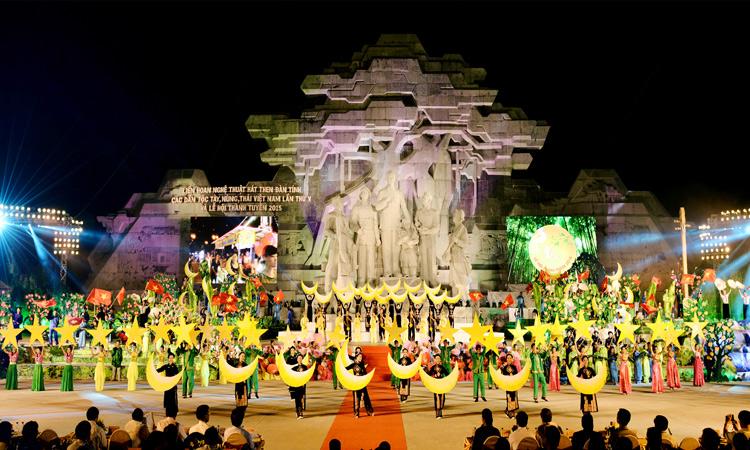 Kinh nghiệm du lịch Tuyên Quang từ a - z - lễ hội