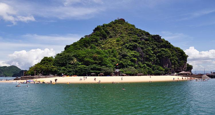 Quảng Ninh có gì chơi - bãi biển đẹp