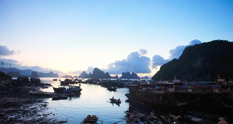 Quảng Ninh có gì chơi - bến đậu thuyền