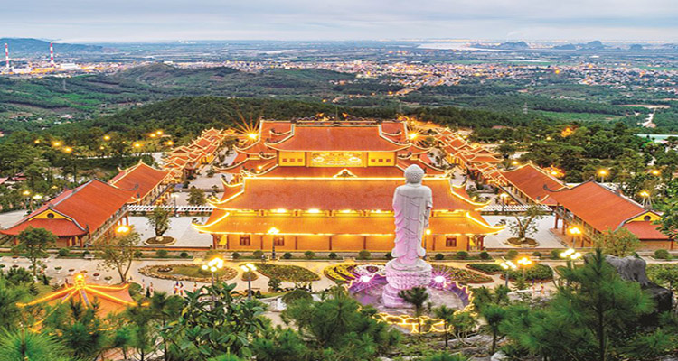 Quảng Ninh có gì chơi - góc đẹp chùa ba vàng