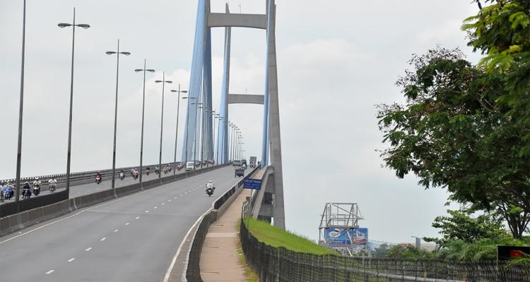Cầu Mỹ Thuận - hai làn