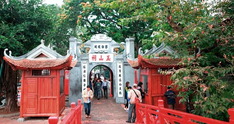 Cầu Thê Húc - Biểu tượng cho nét đẹp văn hóa của người Hà thành