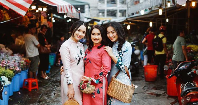Chợ hoa Hồ Thị Kỷ 07