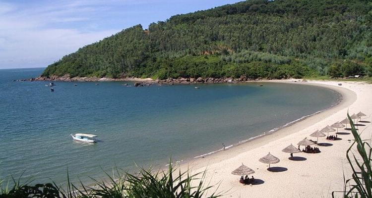 Chùa Linh Ứng Đà Nẵng - Bãi biển Tiên Sa