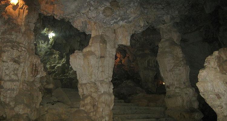 Du lịch Hà Nam - hang động đá