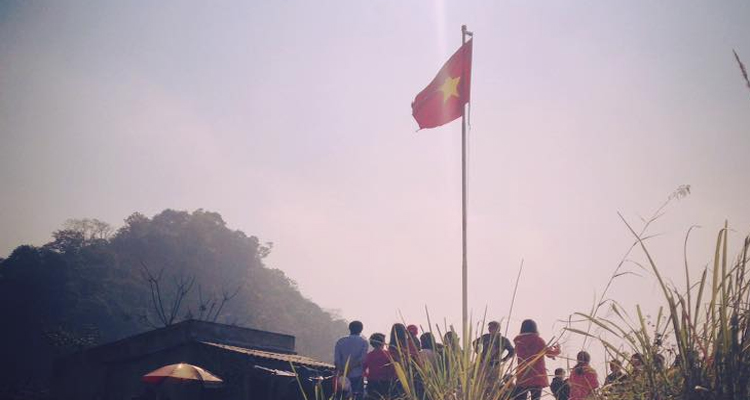 Mai Châu Hòa Bình - cột cờ
