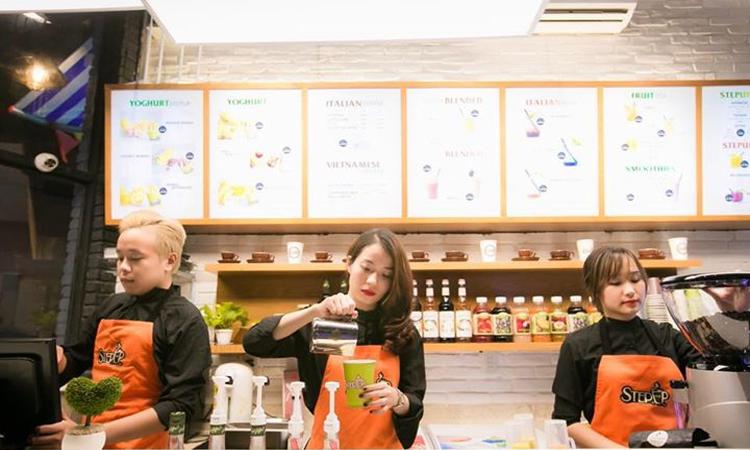 Quán cafe đẹp ở Sài Gòn - nhân viên
