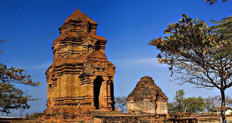 Tháp Chàm Poshanư 4