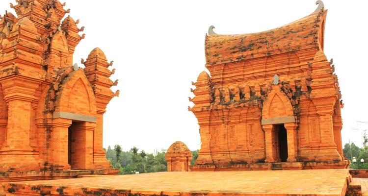 Tháp Chàm Poshanư 5