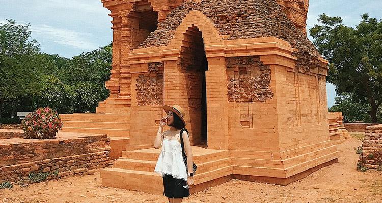 Tháp Chàm Poshanư 3