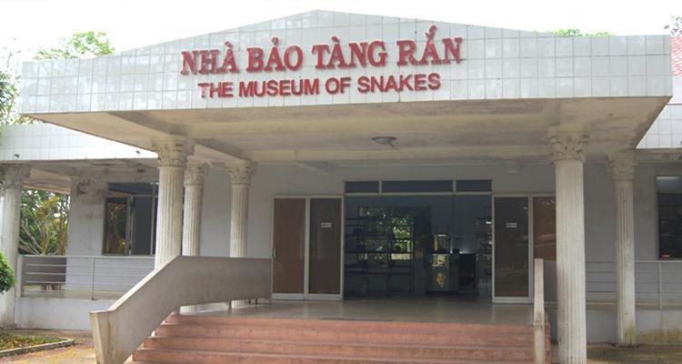 Trại rắn Đồng Tâm 08
